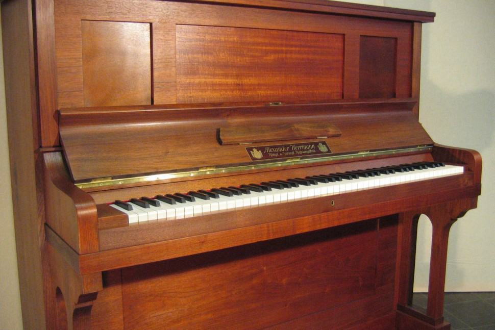 Alexander Herrmann Klavier Mod. 134